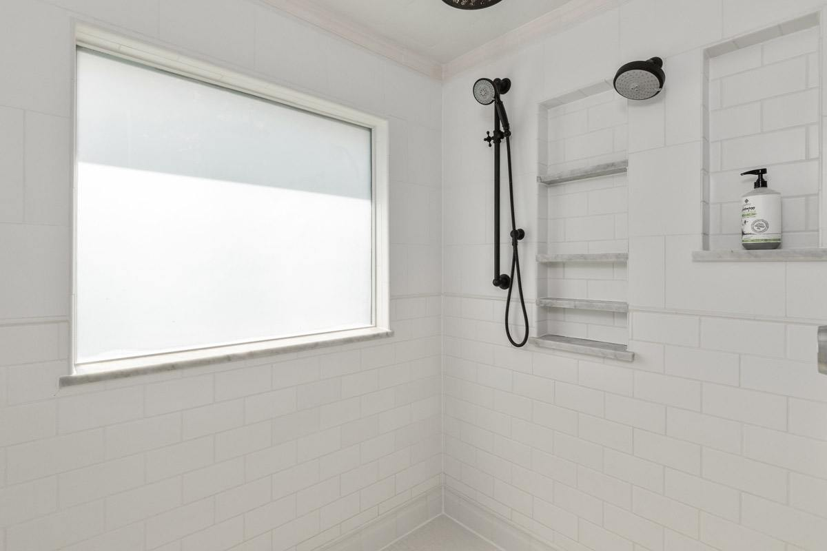 020_Master-Shower